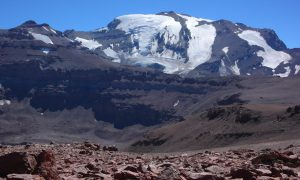 Cerro del Plomo (5424m) from near El Pintor (approx. 4200m), looking north-east. The peak to the left is Cerro Leonera (approx. 5050m). Photo by Tijs Michels, March 9, 2010.